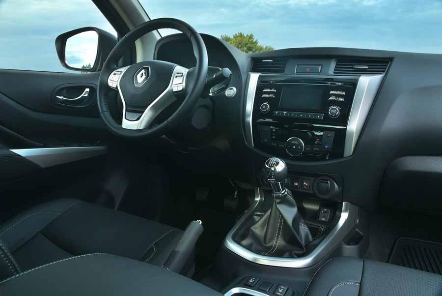 diseño interior chile renault alaskan la innovadora propuesta de camioneta pick