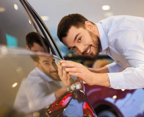 Persona buscando comprar auto