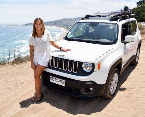 Trinidad Segura y su Jeep Renegade